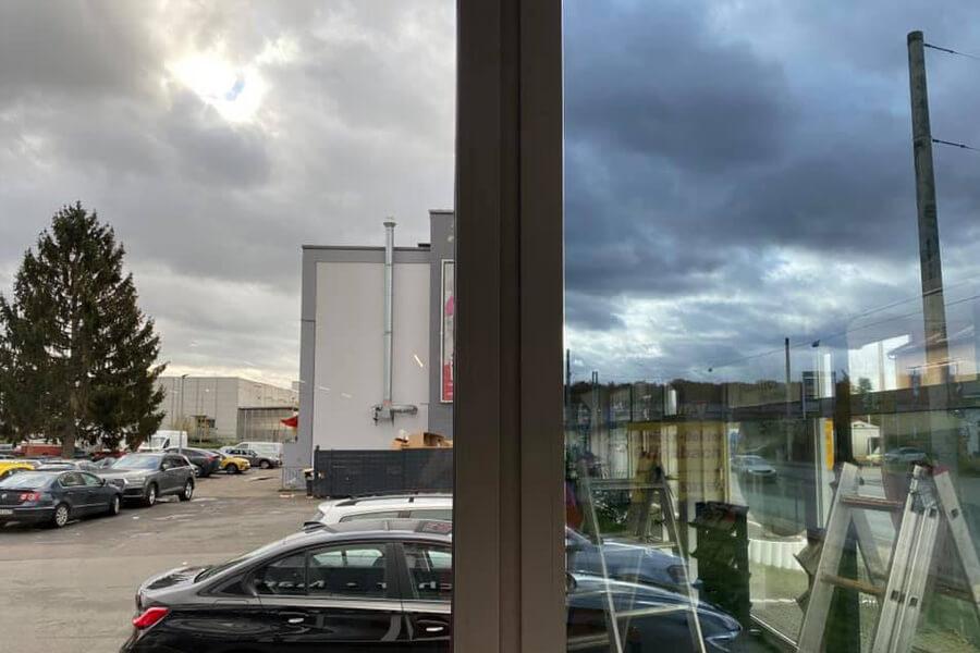 sonnenschutzfolie-spiegelfolien-9-werbetechnik-aschaffenburg-feinschnitt-stockstadt